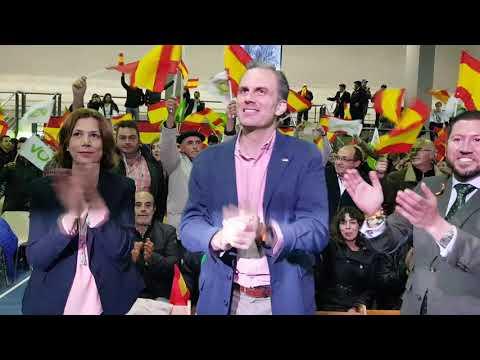 Acto de Vox en Segovia. Llegada de  Otega Smith. 24/4/2019