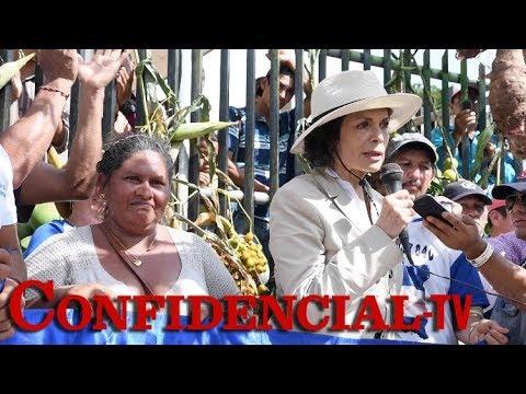 Bianca Jagger marcha con campesinos en La Fonseca contra el canal interoceánico