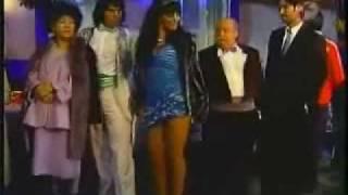 "Doña Lucha ""Pongan Música Moderna"""