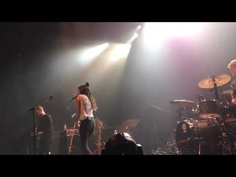 Amy Shark - Weekends live at The Vic