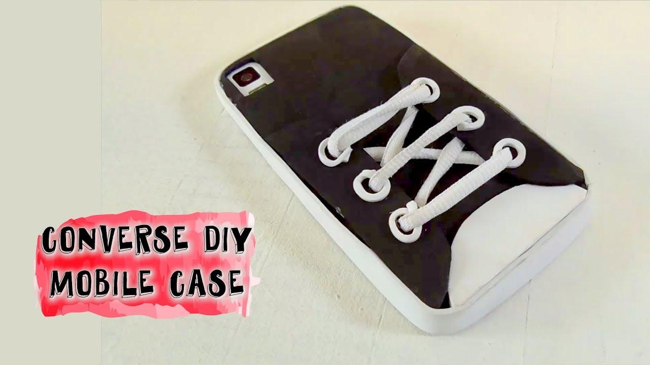 971d6e281d9 Funda para teléfono móvil en forma de zapatilla. Manualidades goma eva. DIY