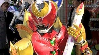 獣電戦隊キョウリュウジャーKamen Rider Zyuden Sentai Kyoryuger Cosplay 毎年恒例のコスプレ祭りです!とても多くの人が来て撮影していきます! ...