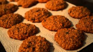 Pulling Focus Between Foreground And Background Oatmeal Raisin Cookies--pat A. Robinson Video©2014