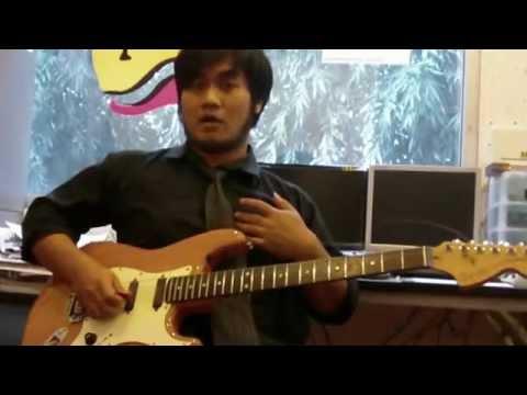 สัมภาษณ์ อ.เดียร์ เเชมป์ guitar AV Idol contest 2012