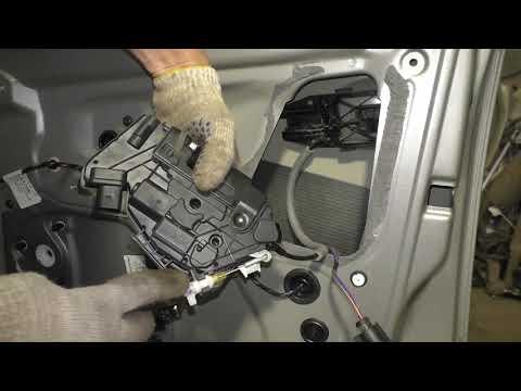 Skoda Fabia 2  - Как снять замок двери внутренний электрический