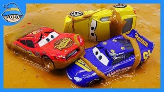 Disney Lightning McQueen mud and bubbles. The slime monster playset. Find McQueen in the muddy.