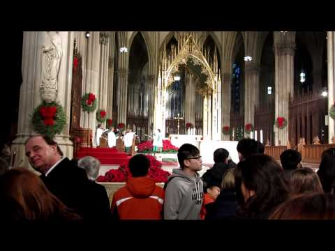 """St. Patrick's Cathedral New York (3/3) -""""Hark! The Herald Angels Sing""""- Christmas Mass, Dec. 25,2012"""