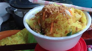 Cambodian Rice Pancake 2,000 riel per plate