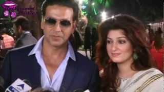 Akshay Kumar & Twinkle Khanna at Jab Tak Hai Jaan Premiere