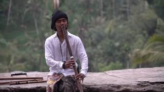 Sundara berarti indah, cantik. gus teja mengartikan sebagai suara suling yang indah memberikan ketenangan dan kedamaian untuk jiwa. album sundar...