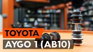 Hvordan udskiftes stabilisatorstag foran / stabstag foran on TOYOTA AYGO 1 (AB10) [GUIDE AUTODOC]