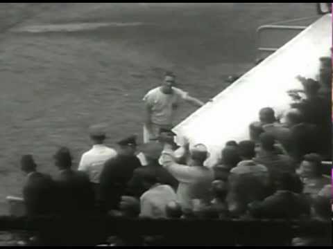 Baseball Roger Maris Breaks Home Run Record (History's Playlist)-Sports