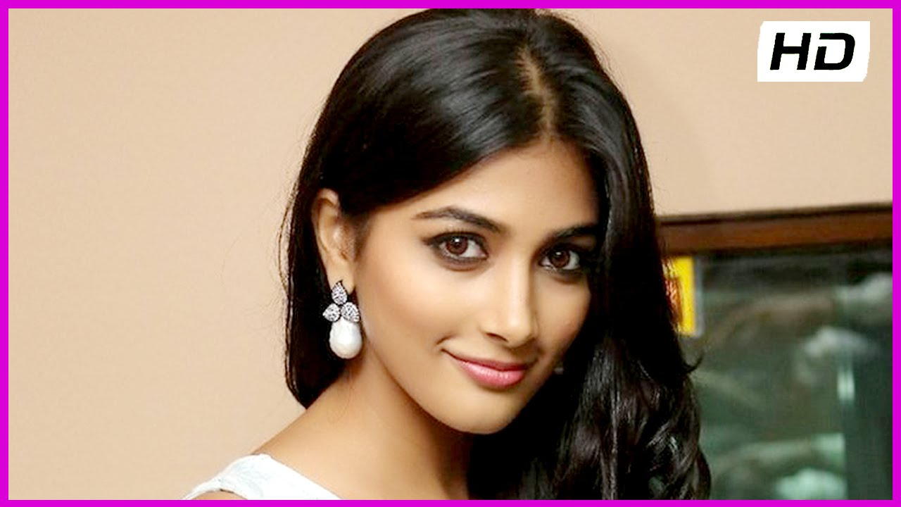 oka laila kosam heroine pooja hegde - rare moments (hd) - youtube