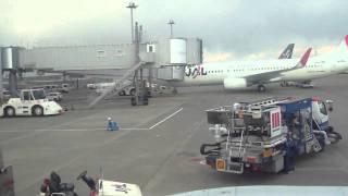 2011.03.11 東北地方太平洋沖地震発生時の羽田空港  Earthquake at Haneda airport