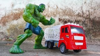 Hulk Protects Cars From Trucks And Animals - B1019b Toys For Kids