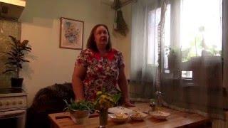 Одуванчики во французском салате.(Фитотерапевт Ефименко Н.Ю готовит салат из одуванчиков., 2016-05-14T15:01:49.000Z)