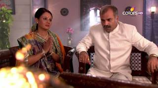 Video Rangrasiya - रंगरसिया - 1st July 2014 - Full Episode(HD) download MP3, 3GP, MP4, WEBM, AVI, FLV Juni 2018