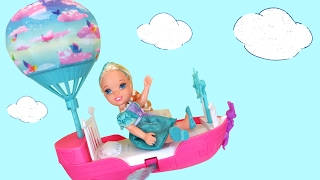 FLYING ! Lemonade ! Elsa & Anna toddlers FLY with Barbie's Magical Dreamboat - Playing