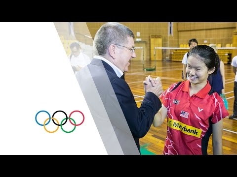 IOC President visits Malaysian badminton players