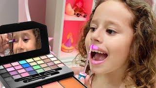 Histórias engraçadas com brinquedos | Vídeo de compilação com Valentina Toys Show