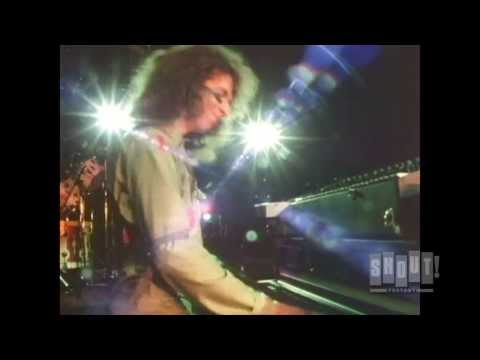 Alice Cooper - School's Out (Live 1979)