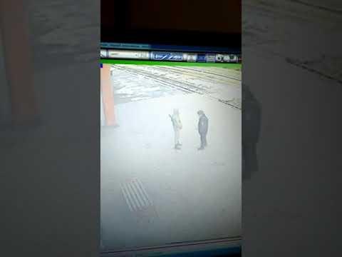 Сегодня, нападение на полицейского на ж.д. вокзале в г. Кизилюрт 26.11.2017