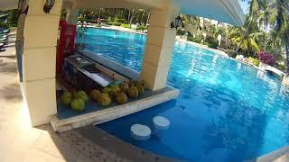 Китай, Хайнань -отель Palm Beach Resort & Spa Sanya 4* территория бассейн