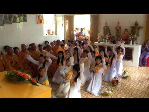 mua dang hoa chua Phat Quang Minh   YOUTUBE   H 264 Video