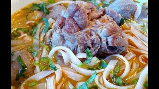 Turkey Neck In Duck Flavor Broth For Rice Noodle Soup