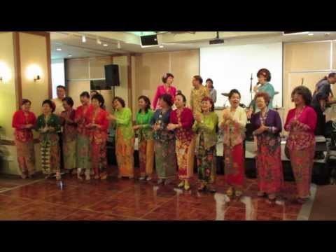 Peranakan Song - Medley (with subtitles)