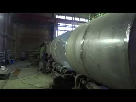 Производство резервуаров в цеху завода СпецРезервуар