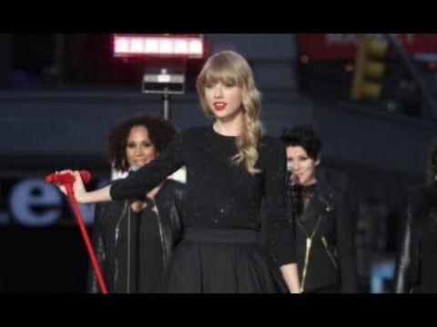 Taylor Swift - Love Story  # Live from Times Square