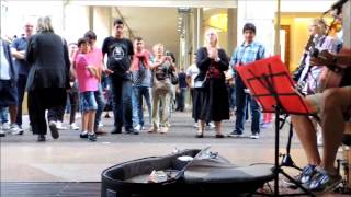 Edwin One Man Band - BLUE SUEDE SHOES - Folkin' & Busking in Milan - part 3