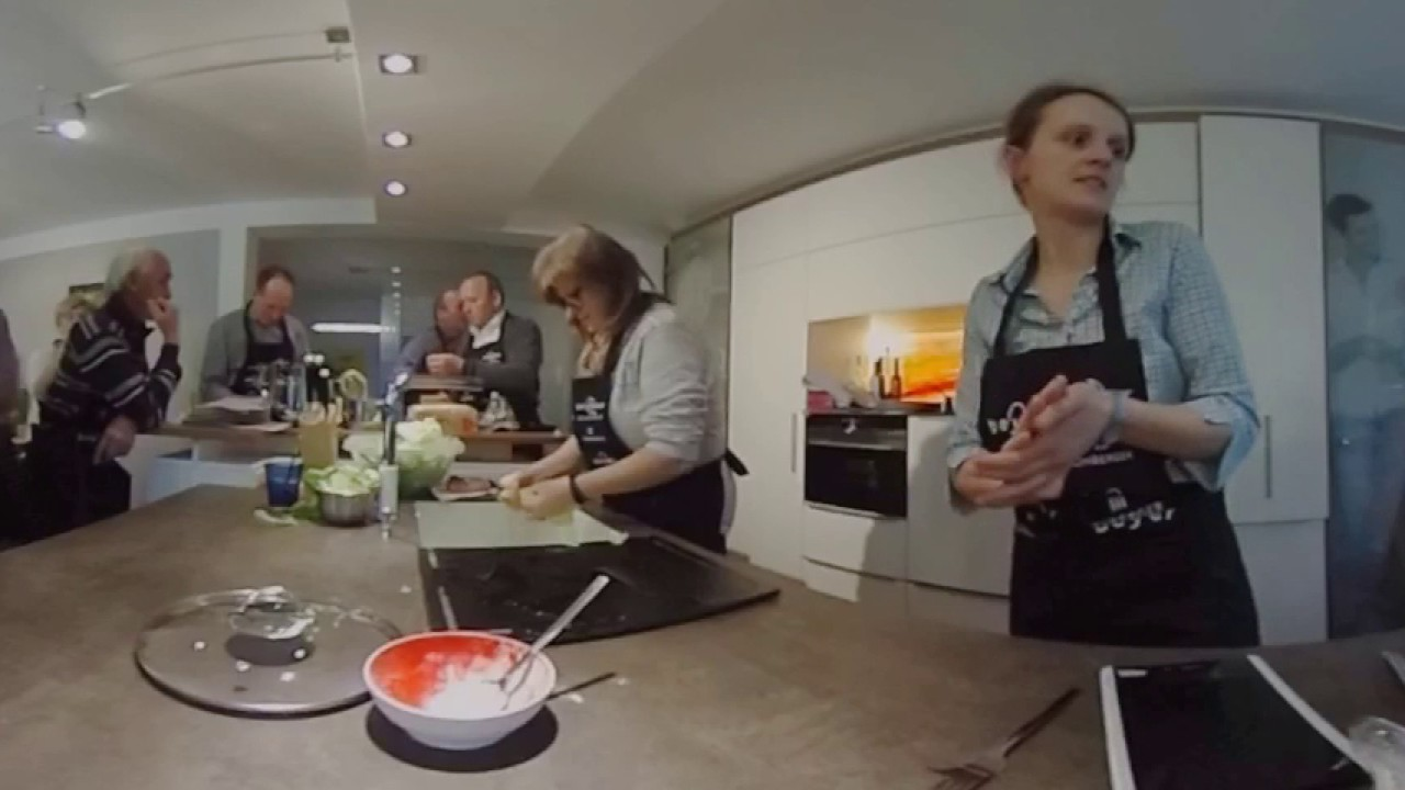 Kochkurs am Holzherd - 360 Grad - YouTube