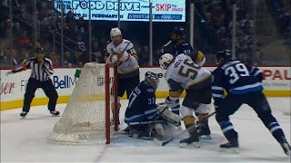 Hockey Central at Noon: The referees completely missed Neal's slash on Hellebuyck