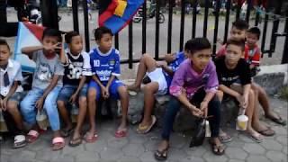 Serunya Ngabuburit Main Layang-Layang