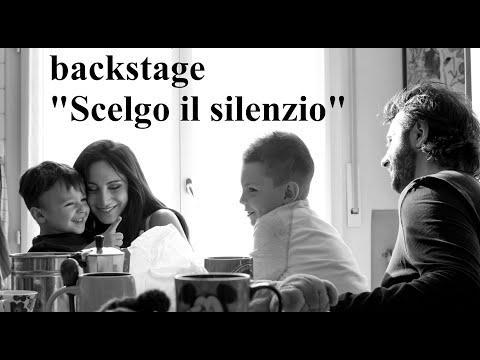Marcuzzi Backstage Calendario.Stil Novo Scelgo Il Silenzio Backstage Con Marika Fruscio