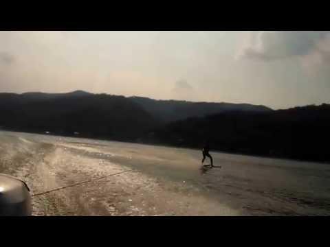 DanubioBoatShow - Lectie de ski nautic la Cazanele Dunarii