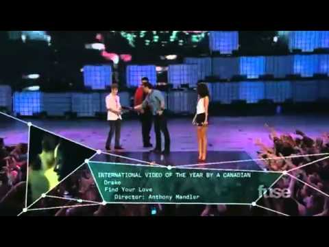 Justin Bieber and Drake win International Video of the Year MMVA 2011