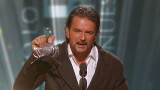 Ricardo Arjona ganó Premio a la Excelencia Musical de Premio lo Nuestro 2015