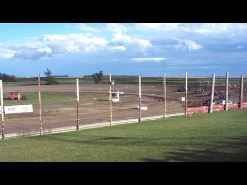 100 0712 2015 09 07 Devils Lake Speedway B Mod Heat