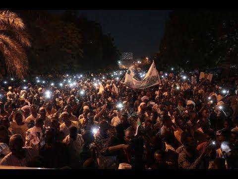 رئيس المجلس العسكري الانتقالي السوداني يزور تشاد  - نشر قبل 3 ساعة