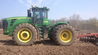 John Deere 9430 Tractor Plowing Ripping up the Fields Plough Plow Dairy Farming in Wisconsin