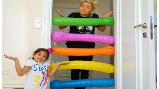 Masal  play with Funny Balloons