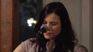 Watch Shannon McNally Pale Moon video