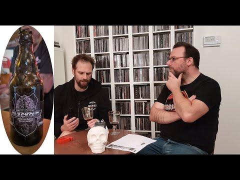 Tinnitus Metal Radio: Mattias en Kevin proeven het Black Out bier van brouwerij d'Oude Maalderij.