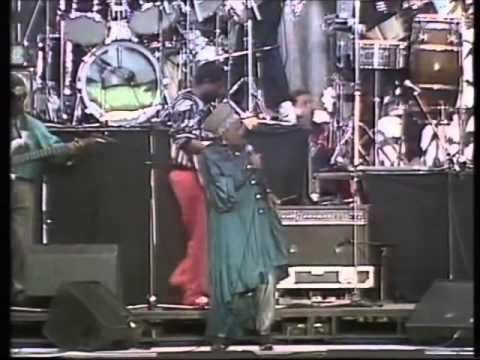 Miriam Makeba and Hugh Masekela - Soweto Blues (Live 1988)