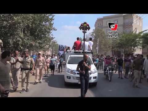 آلاف الأقباط والمسلمين يشيعون جثمان شهيد سيناء بـ«الدقهلية»