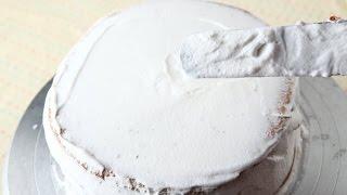 (楊桃美食網) 蛋糕裝飾上的鮮奶油要打到何種程度?