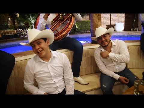 Los Nuevos Ilegales - Y Sigues Siendo Tú (Video 2018)  Exclusivo